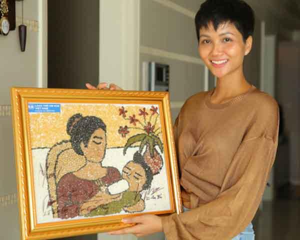 Cuộc sống của H'Hen Niê trong căn hộ là phần thưởng dành cho Hoa hậu