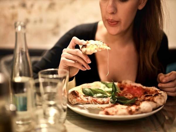 Nếu gặp phải những triệu chứng sau, nữ giới có nguy cơ mắc bệnh ung thư dạ dày cao