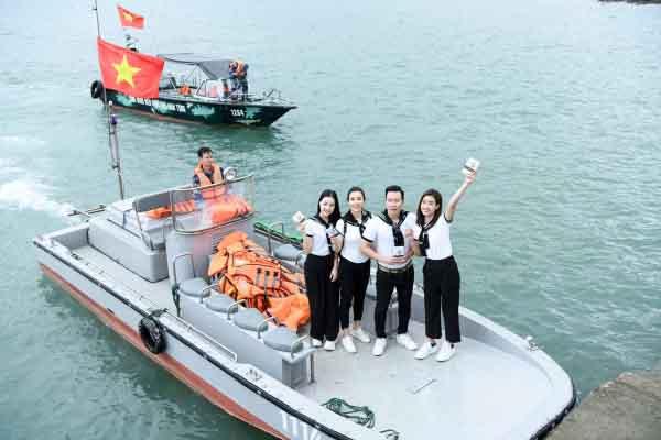 Hành trình mang tri thức tới vùng biển đảo của tổ quốc