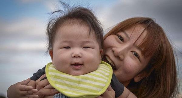 Vợ cho con bú sữa mẹ hoàn toàn, chồng Nhật trả công hậu hĩnh