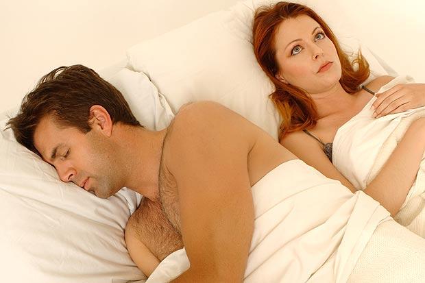 """Lý do đàn ông thường """"lăn ra ngủ"""" sau khi yêu?"""