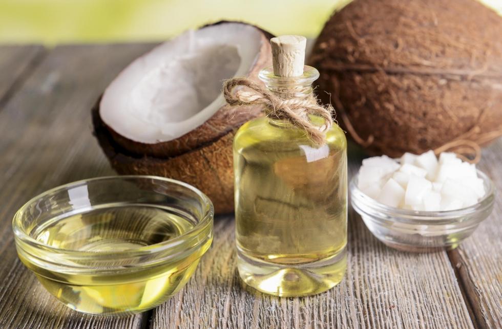 Dùng dầu dừa, lợi bất cập hại?