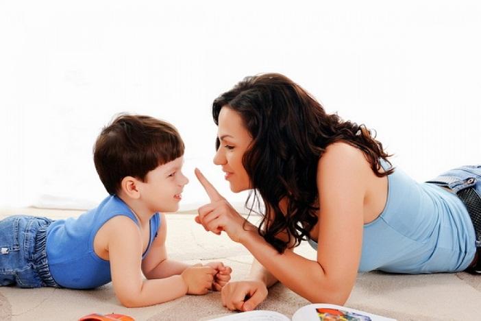 """Trẻ thường không hiểu hết những câu """"trừu tượng"""" của cha mẹ khi tức giận"""