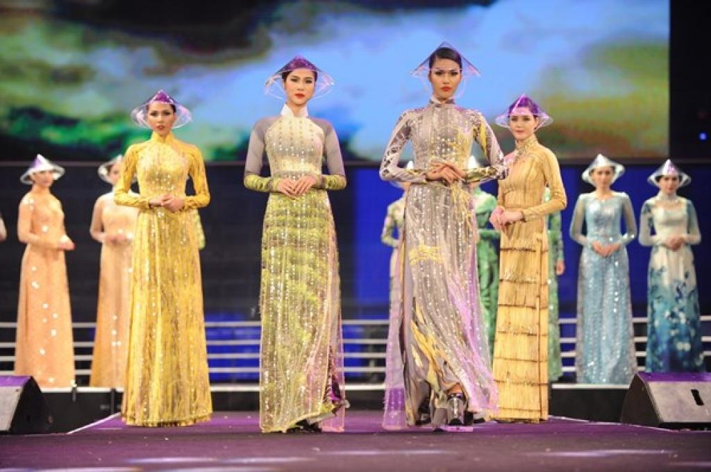Duyên Dáng Việt Nam 30 – Nơi hội tụ hàng loạt người mẫu chuyên nghiệp, hứa hẹn một đêm diễn hấp dẫn