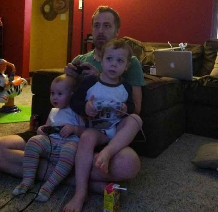 Nhà có con nhỏ: Mẹo cho cha mẹ nhanh trí