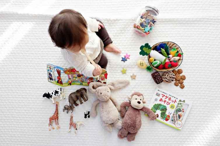 Mua đồ chơi quá nhiều cho con và hậu quả khó lường