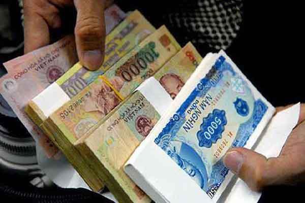 Dịch vụ đổi tiền mới đang nở rộ chợ mạng
