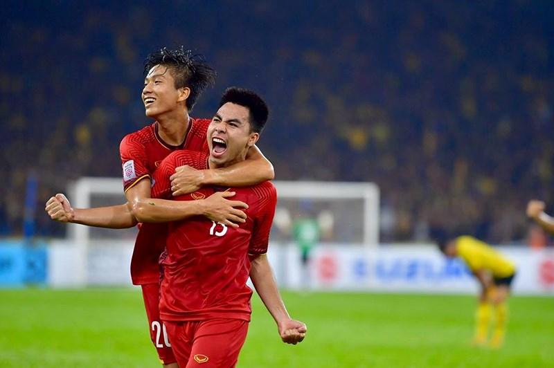 Hoà 2-2, thầy trò HLV Park Hang-seo rời Malaysia trong tiếc nuối