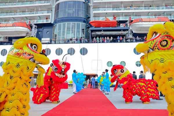 Du lịch Việt Nam đón vị khách quốc tế thứ 15 triệu
