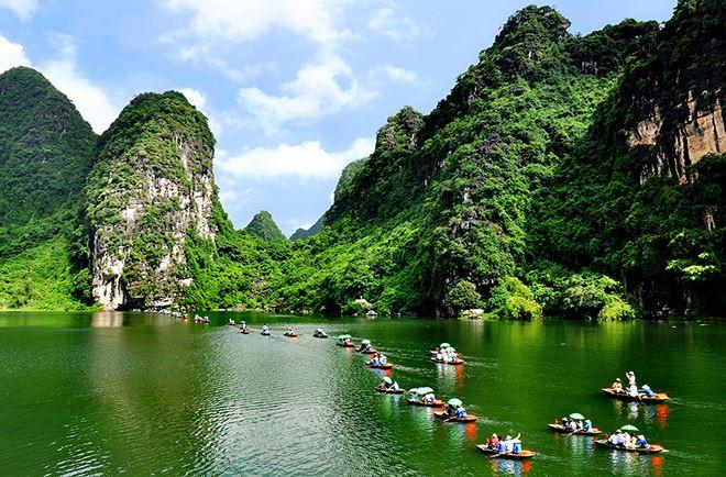 Du lịch đã đạt trên 500.000 tỷ đồng, với hơn 12,8 triệu lượt khách quốc tế