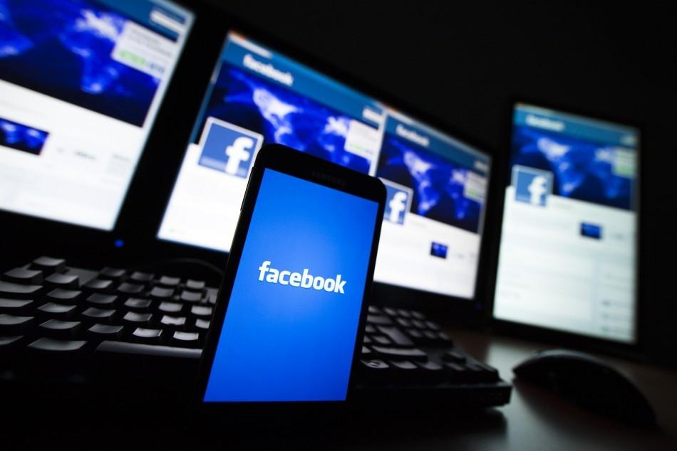 Mark Zuckerberg và Facebook mất hơn 100 tỷ USD sau một đêm