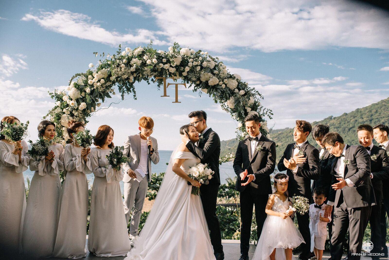 Vén màn đám cưới đẹp tựa như mơ của nhà văn Gào
