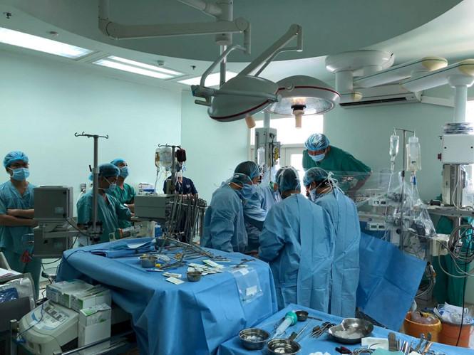 Một GS.TS tạm xin dừng họp Quốc hội để ghép tim cho bệnh nhân