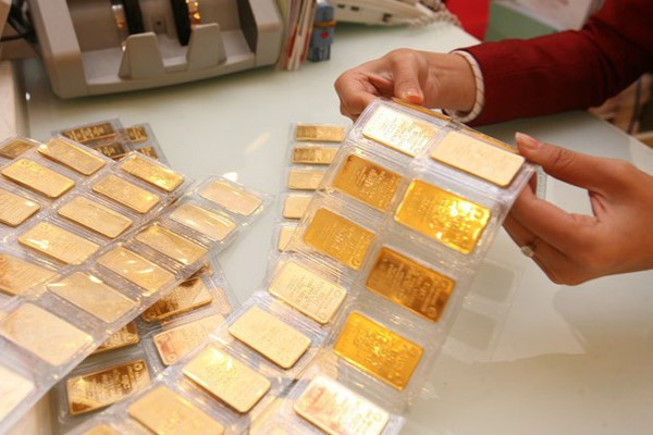Giá vàng tăng dựng đứng lên 56 triệu đồng/lượng, Ngân hàng Nhà nước lên tiếng
