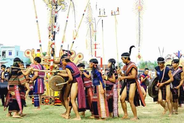 Trải nghiệm Festival văn hóa cồng chiêng Tây Nguyên 2018