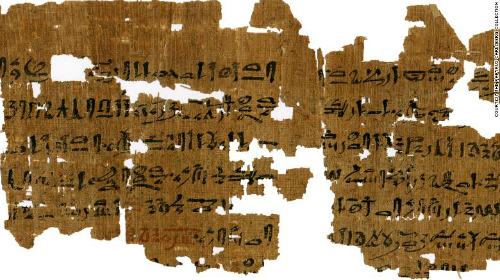 Phụ nữ Ai Cập 3500 năm trước thử thai như thế nào?