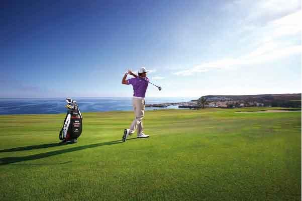 Chơi golf một mình có tốt không?