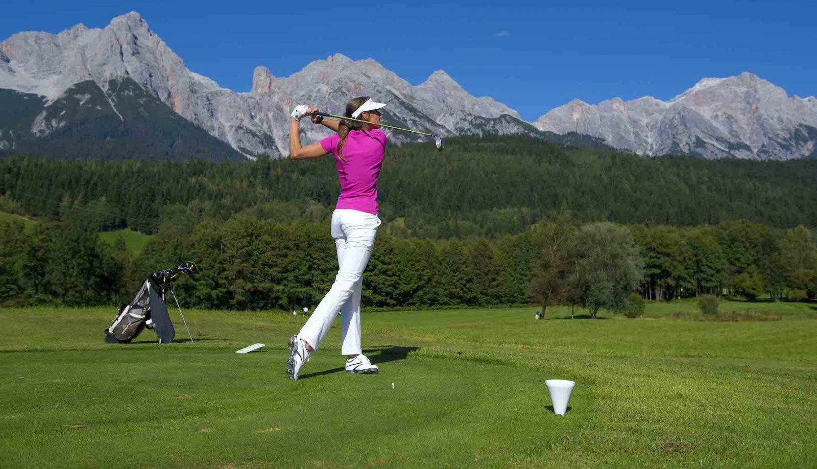 Chọn trang phục chơi golf cũng cần có chuẩn mực riêng