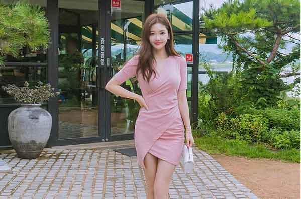 Kiểu váy bất đối xứng khiến nhiều nàng mê mẩn