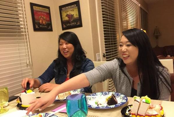 Sau 33 năm lạc nhau trên đất Mỹ, chị em song sinh gốc Hàn đã tìm thấy nhau