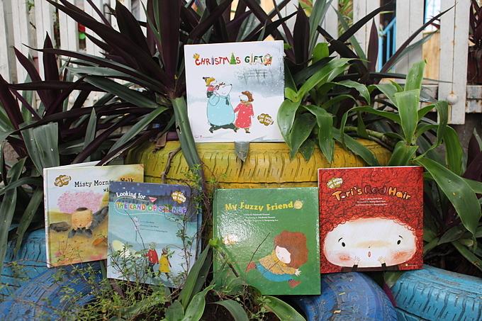 Chọn sách: Quà Giáng sinh tuyệt vời cho bé