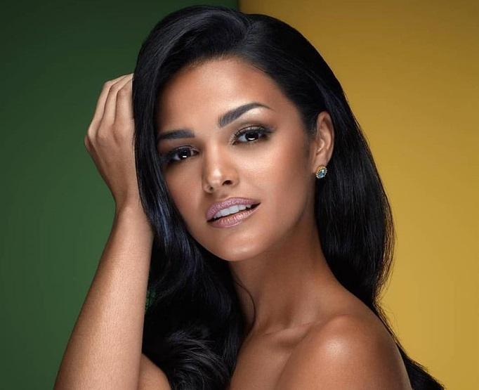 Vẻ đẹp hút hồn của tân hoa hậu Hoàn vũ Puerto Rico