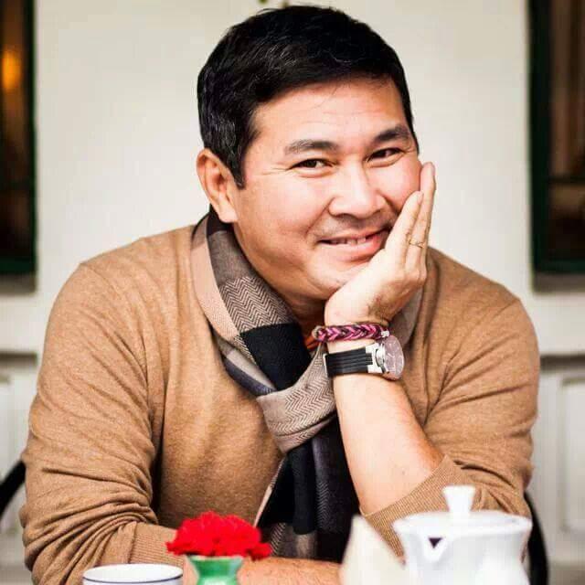 """""""Hiệp sĩ"""" Nguyễn Hoài Nam nhận đền khoản tiền 240 triệu thay tài xế bẻ lái cứu mạng 2 nữ sinh"""