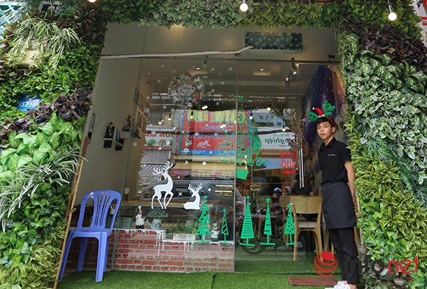 Đi uống cafe mùa Noel giữa đất Sài Gòn