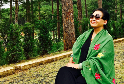 Bị đồn qua đời, ca sĩ Khánh Ly cảm thấy buồn