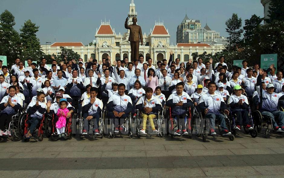 Đoàn thể thao người khuyết tật VN xuất quân đến Asian Para Games 2018