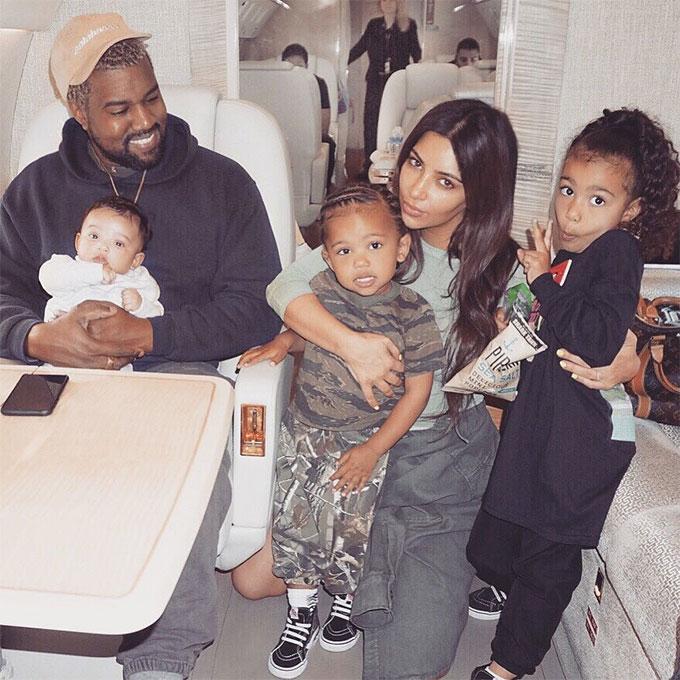 Kim Kardashian và phút trải lòng về việc nuôi ba đứa con