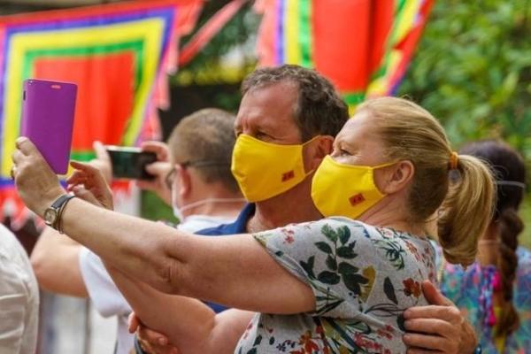 Đài tiếng nói Hoa Kỳ ca ngợi 'Pho'nomenal Việt Nam' trên đà phục hồi kinh tế
