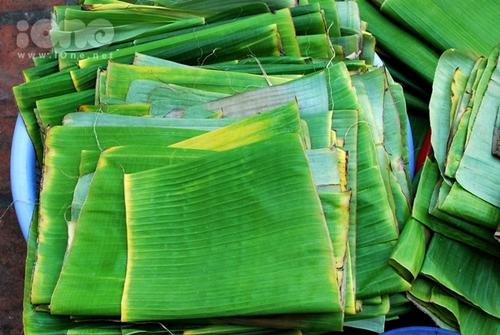 Ở Việt Nam, lá chuối cho không, ở Nhật, giá 500 ngàn một lá