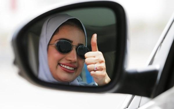 Niềm vui sướng của phụ nữ Saudi Arabia khi được chính thức lái ô tô