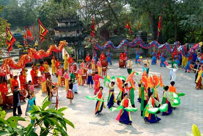 Bộ Văn hóa ra quyết định không trục lợi từ lễ hội