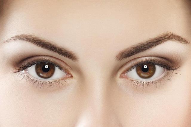 Vi khuẩn sống trên bề mặt mắt và kích thích khả năng miễn dịch bảo vệ