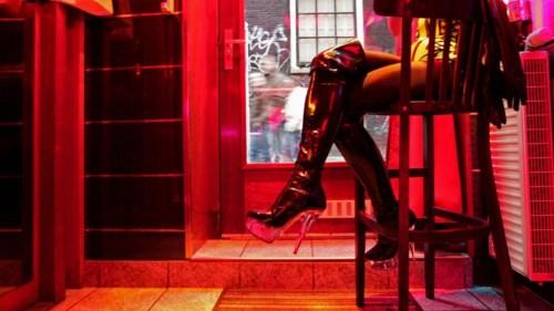Nơi gái mại dâm phải nộp thuế VAT như người trình diễn nghệ thuật