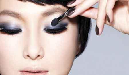 Kỹ thuật trang điểm mắt theo chiều ngang
