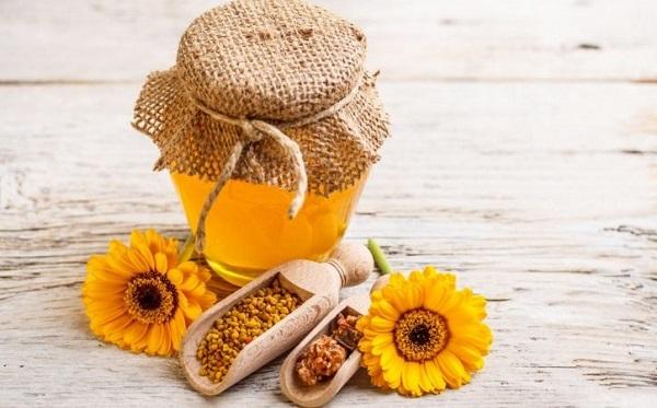 Uống mật ong trước khi ngủ sẽ cho nhiều lợi ích tuyệt vời