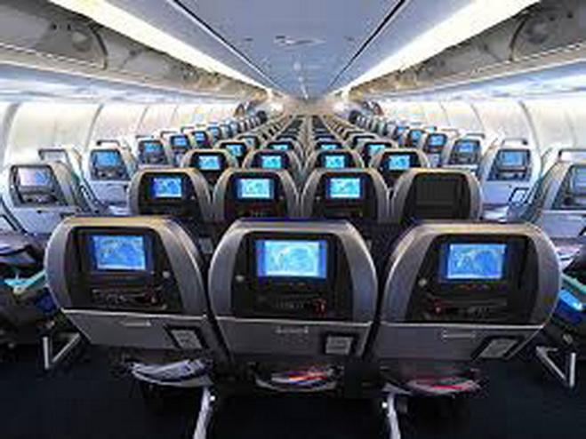 Ngồi vị trí nào an toàn khi đi máy bay?