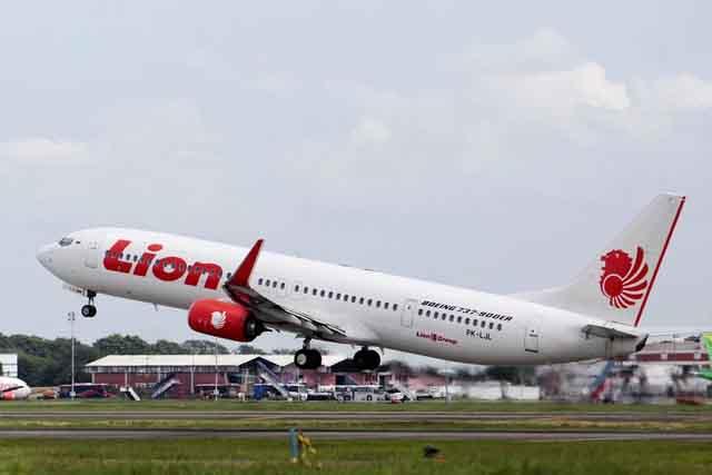 Lại thêm một máy bay Mỹ phải hạ cánh khẩn cấp vì sự cố động cơ