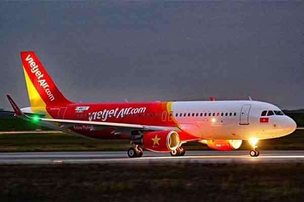 Máy bay Vietjet gặp sự cố khi hạ cánh, nhiều hành khách nhập viện