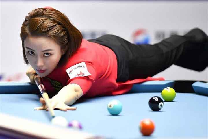 """Ngắm vẻ đẹp """"như búp bê"""" của nữ cơ thủ quyến rũ nhất Trung Quốc"""