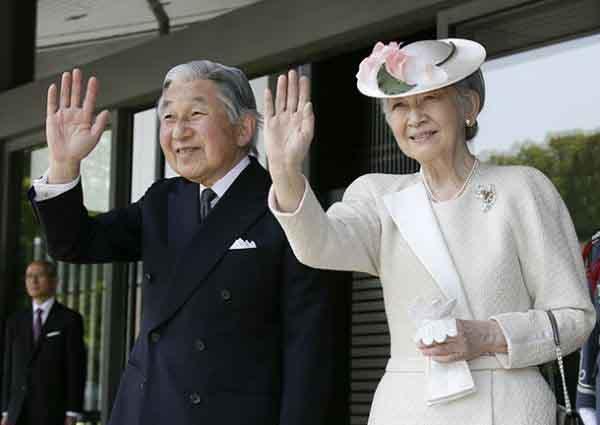Mối tình hoàng tộc - thường dân, 60 năm đến đầu bạc và vẫn muốn yêu mãi mãi