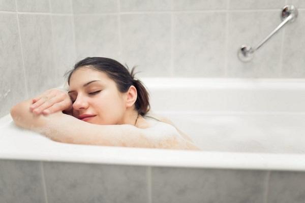 Tắm sai cách khi mùa đông, nguy hiểm chết người