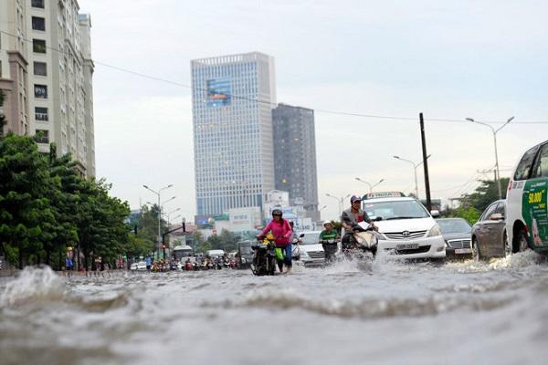 Vì sao 66 tuyến đường chính của Sài Gòn bị ngập sâu?