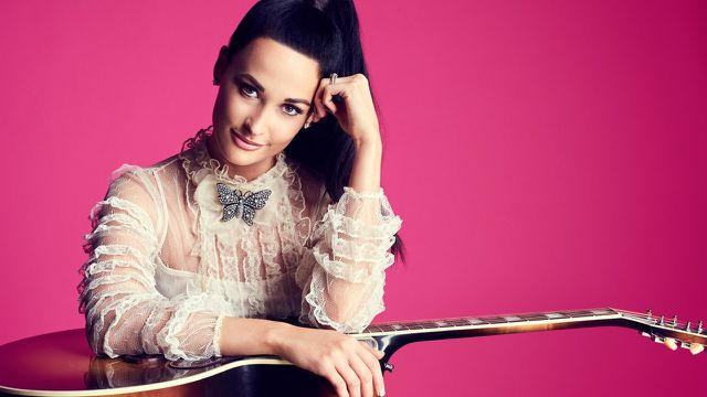 Chân dung nữ nghệ sĩ xinh đẹp thắng lớn ở Grammy 2019