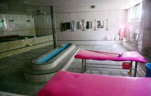 """Phụ nữ Hàn thích """"buôn chuyện"""" nơi nhà tắm công cộng"""
