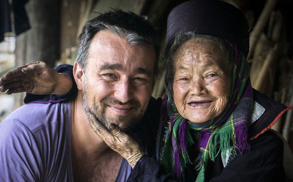 """Dân tộc thiểu số Việt Nam """"đẹp mê hồn"""" qua ống kính nhiếp ảnh gia Pháp"""
