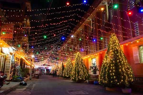 Không khí Giáng sinh nô nức nơi xóm đạo lớn nhất Sài Gòn